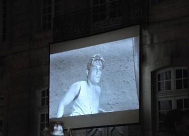 Vue de la projection à la Collection Lambert à l'occasion de la Nuit des Musées. Photographie Philippe Daval.