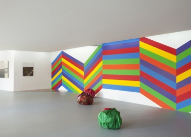 Oeuvres de Louise Lawler, Carl Andre, Kimsooja et Sol LeWitt. Photographie Pascal Martinez.