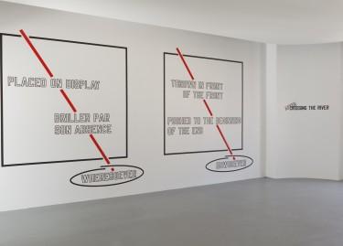 vue de l'exposition Lawrence Weiner - After crossing the river / Après la traversée du fleuve - Photographie Pascal Martinez