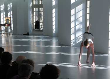 Vue de la performance / Interprète : Kate Moran