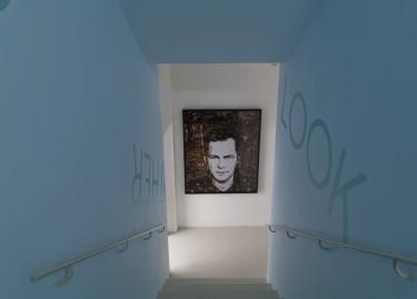 """Vik Muniz, """"Autoportrait 2 (Automne)"""", 2005, vue de l'exposition Le musée imaginaire, photographie Pascal Martinez"""