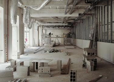 Vue des espaces de la Collection Lambert en Avignon en 2000. Oeuvre de Andre Cadere. © Andre Morin